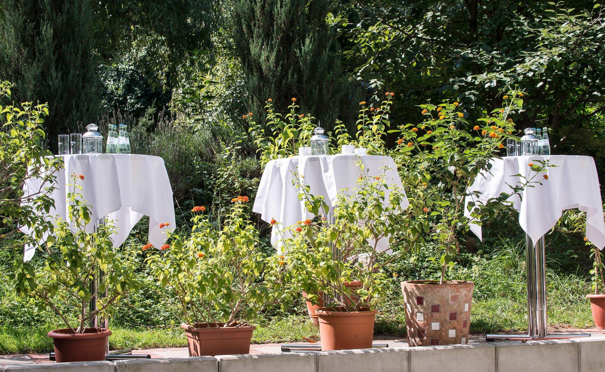 Feiern im Hotel Grenzfall – bei scönem Wetter auch im Garten