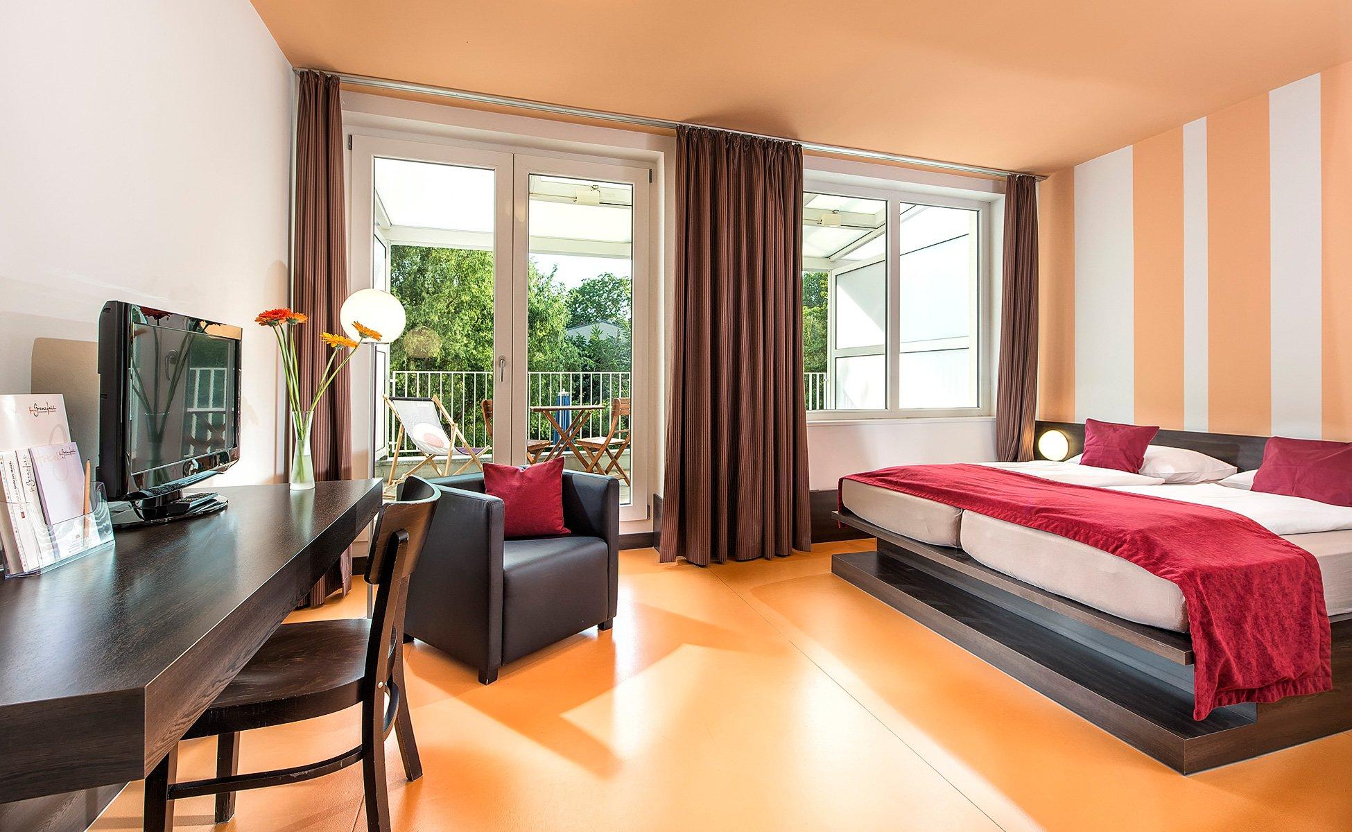 Hotel-Grenzfall Gartenblickzimmer mit Balkon Gesamt